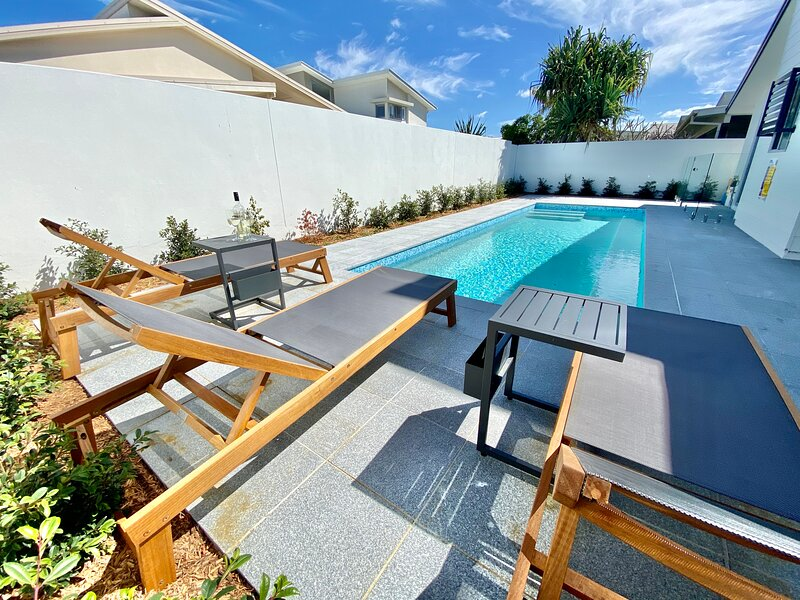 LONGBOARD BEACH HOUSE WITH POOL – KINGSCLIFF, location de vacances à Tumbulgum