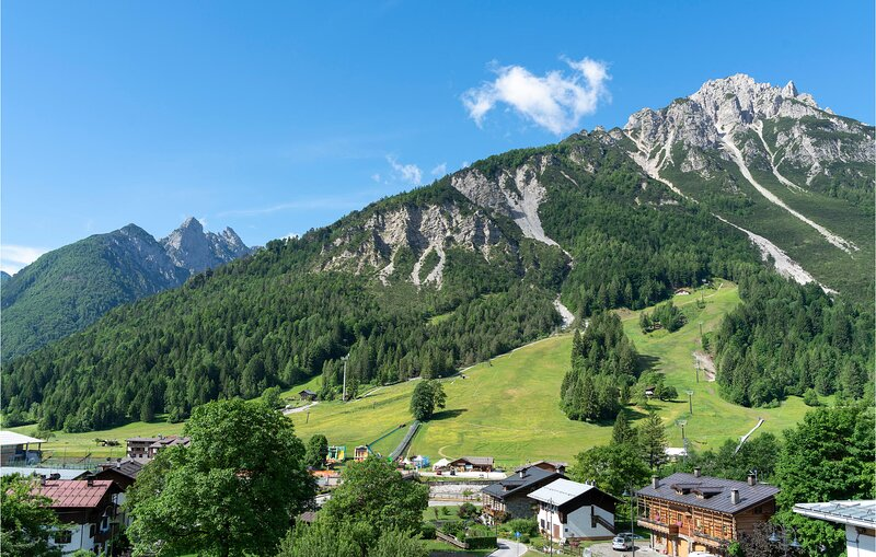 Awesome apartment in Forni di Sotto with WiFi and 2 Bedrooms (IDD344), holiday rental in Santo Stefano di Cadore