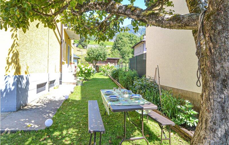Awesome apartment in Forni di Sotto with WiFi and 2 Bedrooms (IDD344), casa vacanza a Danta di Cadore