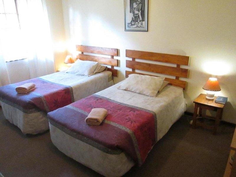 Bedrock Bb - Double Bedroom, location de vacances à Bloemfontein
