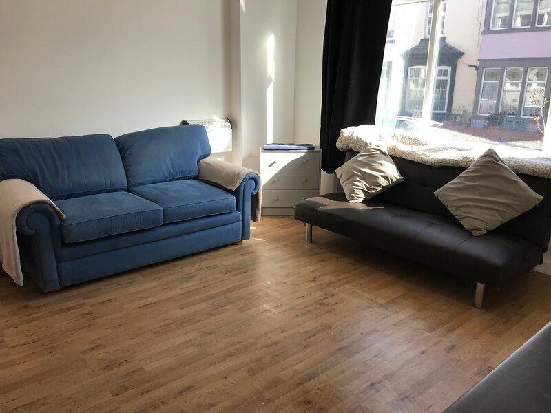 Empire Blackpool Apartments - Charles Street F1, vacation rental in Bispham
