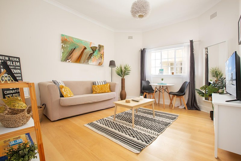 Cosy Couple's Haven 10 min Walk From Bondi Beach, vacation rental in Bondi