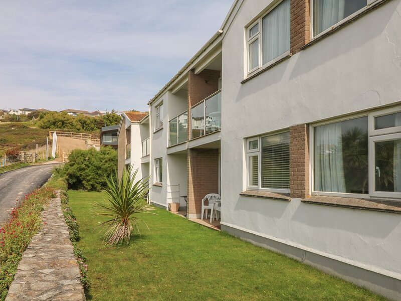 2 Europa Court, Mawgan Porth, vacation rental in Trenance