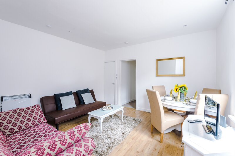 Empire Blackpool Apartments - Charles Street F2, vacation rental in Bispham
