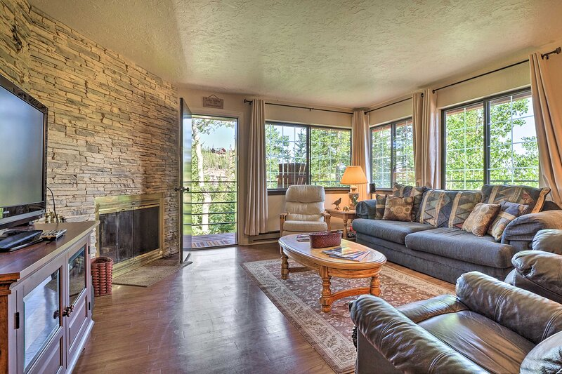 This 2-bed, 2-bath vacation rental is located in Brian Head!