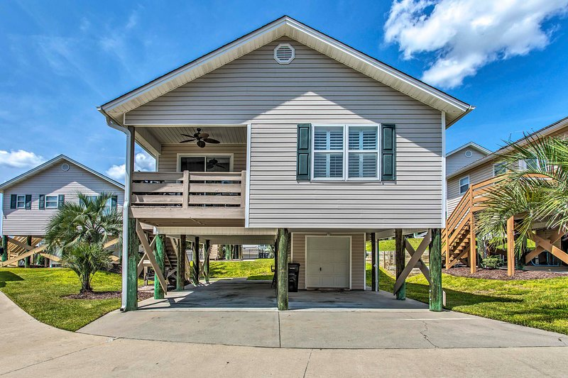 NEW! Coastal Cottage w/ Pool Access, Walk to Beach, holiday rental in Arcadian Shores