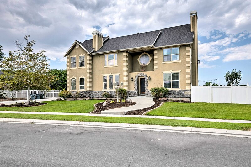 Welcome to your South Jordan home-away-from-home!