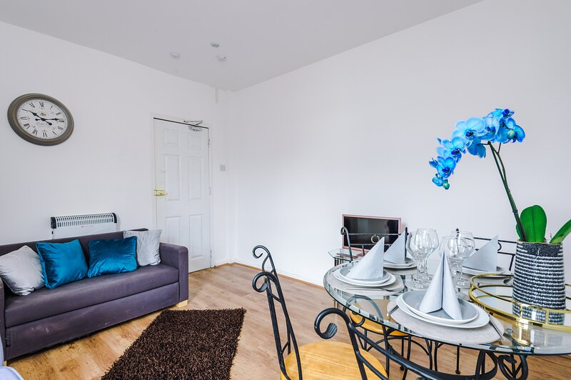 Empire Blackpool Apartments - Charles Street F4, vacation rental in Blackpool