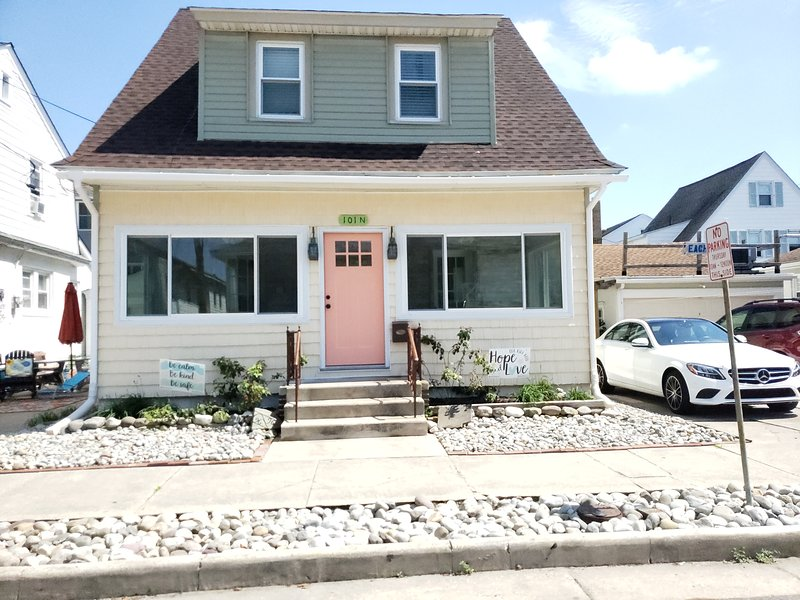 Beach Home Fun!  PRIVATE Beautifully Renovated Beach Home with a Hint of Ol Ventnor has it all!