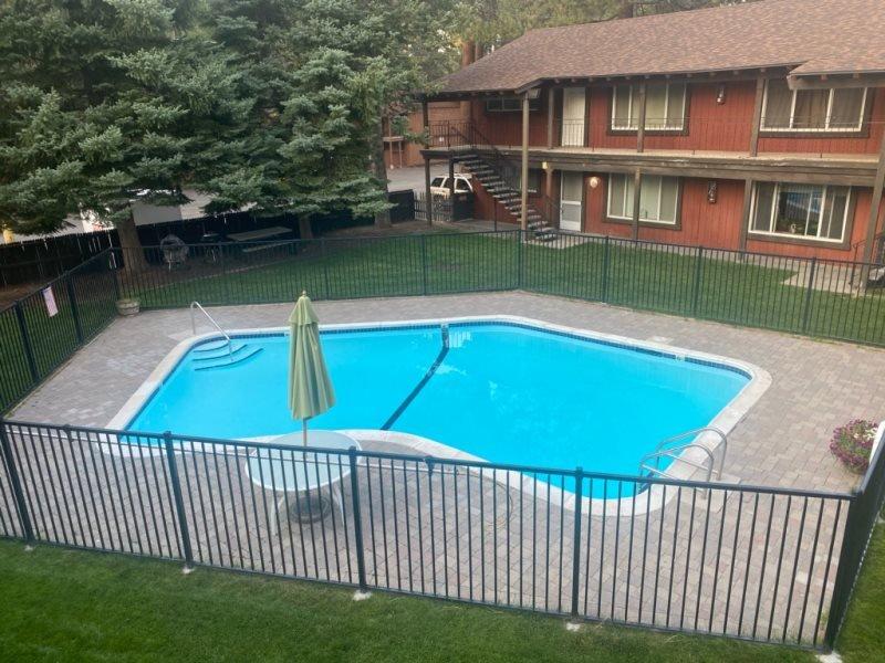 3604T-Quiet condo complex with a summer pool, walk to restaurants, half block to, vacation rental in Markleeville