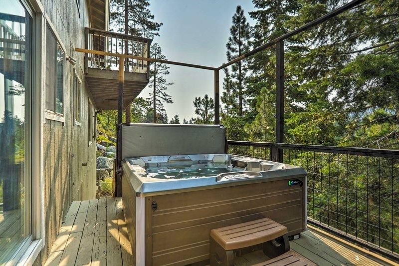 Deck   Private Hot Tub
