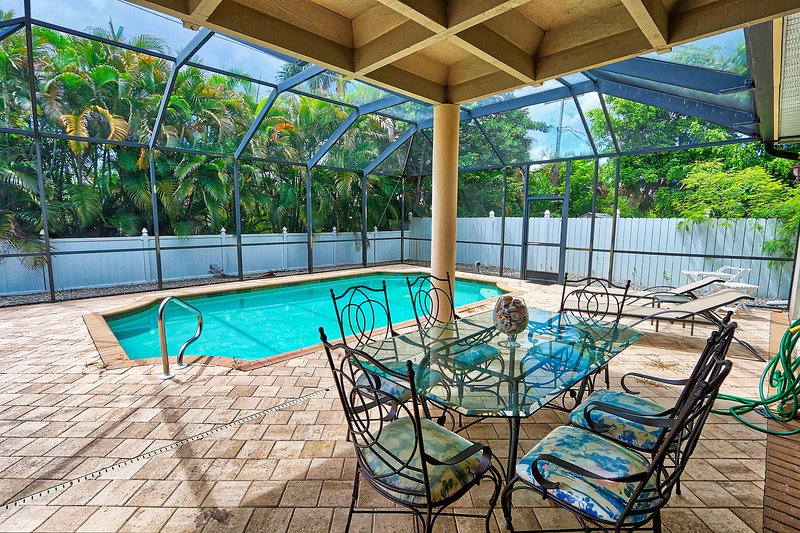 House in Naples Park 814, holiday rental in North Naples