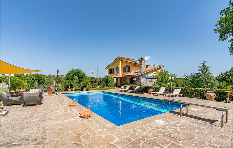 Nice home in Bassano in Teverina with Outdoor swimming pool, Outdoor swimming po, vacation rental in Bassano in Teverina
