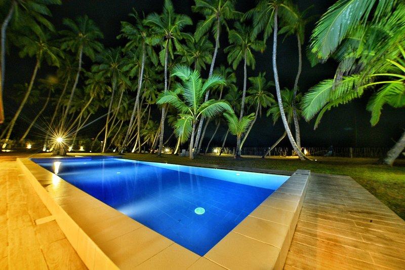 Arhimser  - beachfront villa for up to 10 with breakfast, aluguéis de temporada em Rekawa