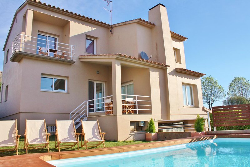 Amazing villa with swimming-pool, vacation rental in Torroella de Montgri