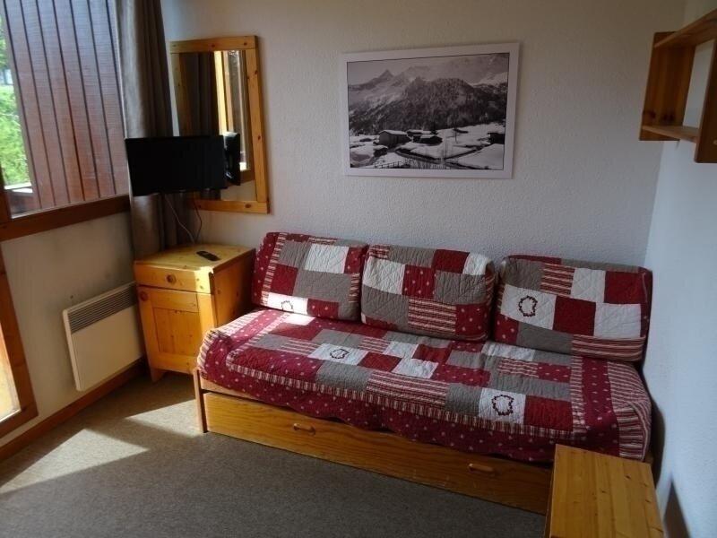 Studio 3 personnes à Vallandry en centre station et proche des pistes, holiday rental in Peisey-Vallandry