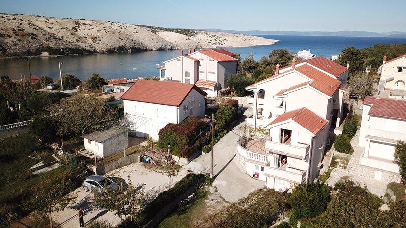 Apartment 87-4 for 6+2 Pers. in Lopar, aluguéis de temporada em Lopar