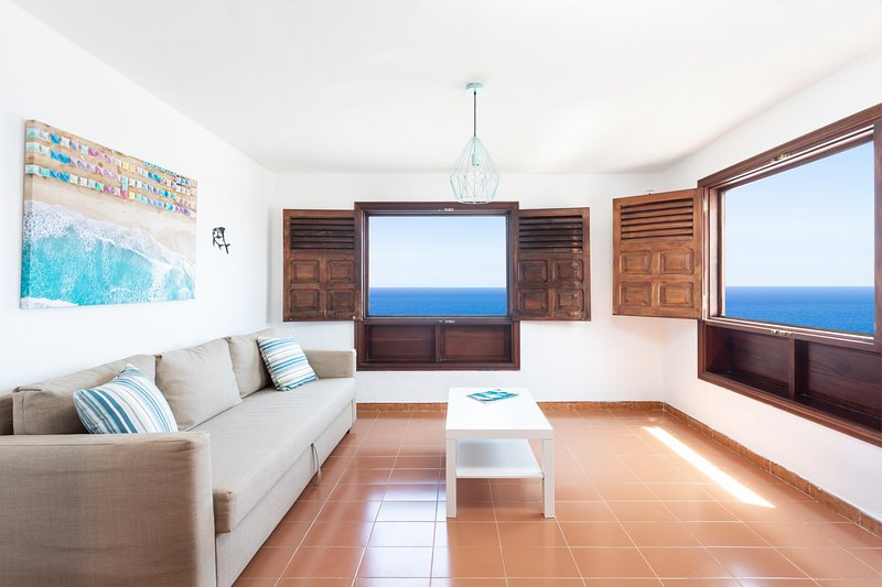 Home2Book Stunning Sea Front House Caleta de Fuste, holiday rental in Fustes