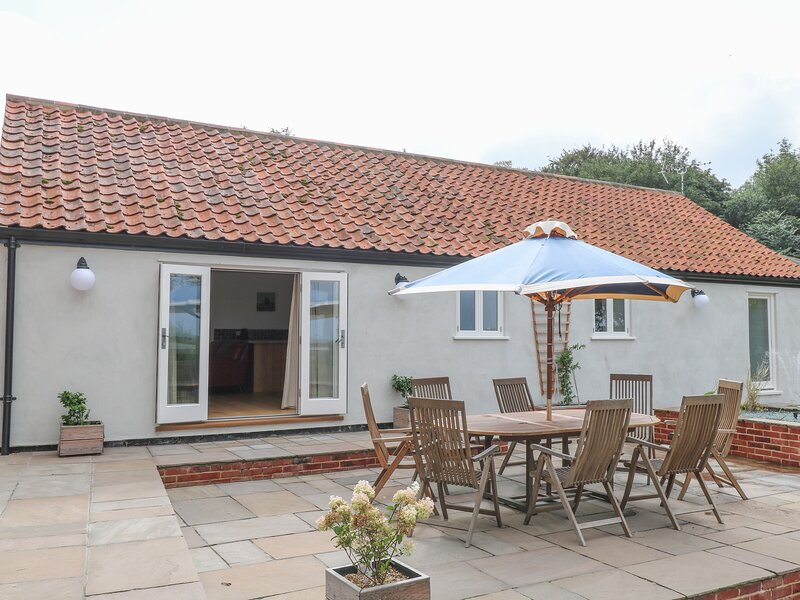Waveney View Cottage, Burgh Castle, holiday rental in Reedham