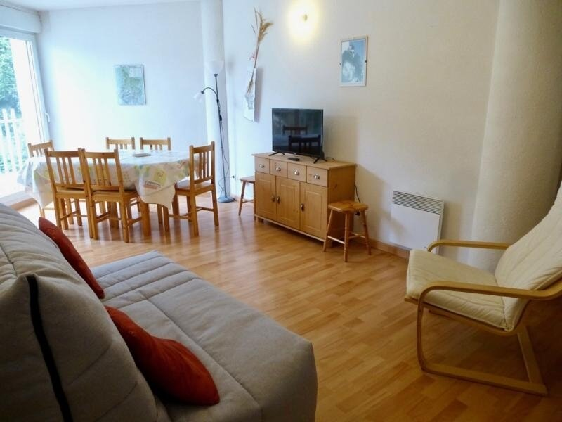 APPARTEMENT LUMINEUX AVEC 2 CHAMBRES, holiday rental in Betpouey