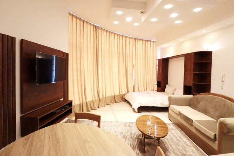 COZY 1 BEDROOM APARTMENT FOR RENT, alquiler de vacaciones en Ajman