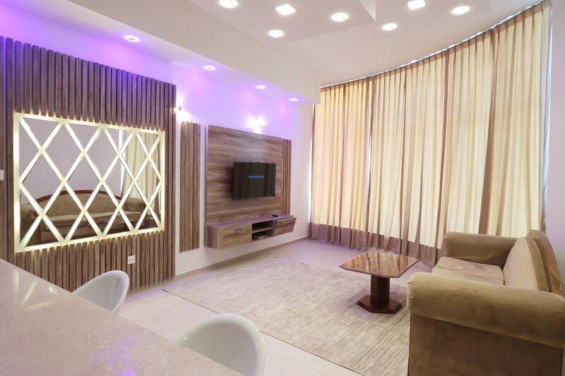 COMFY AND SPACIOUS 2 BEDROOM APARTMENT, alquiler de vacaciones en Ajman