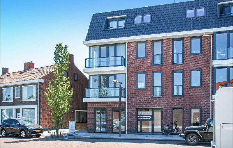 Beautiful apartment in Breskens with WiFi and 1 Bedrooms (HZE250), alquiler vacacional en Breskens