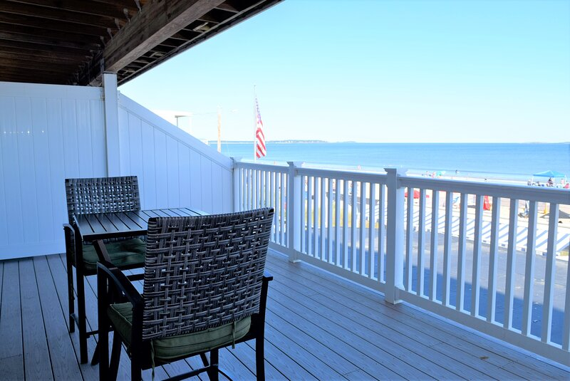 Beachfront Condo with Great Views, location de vacances à Old Orchard Beach