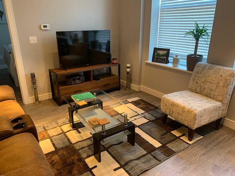 Stunning 1 Bedroom in Downtown Lynn, holiday rental in Lynn