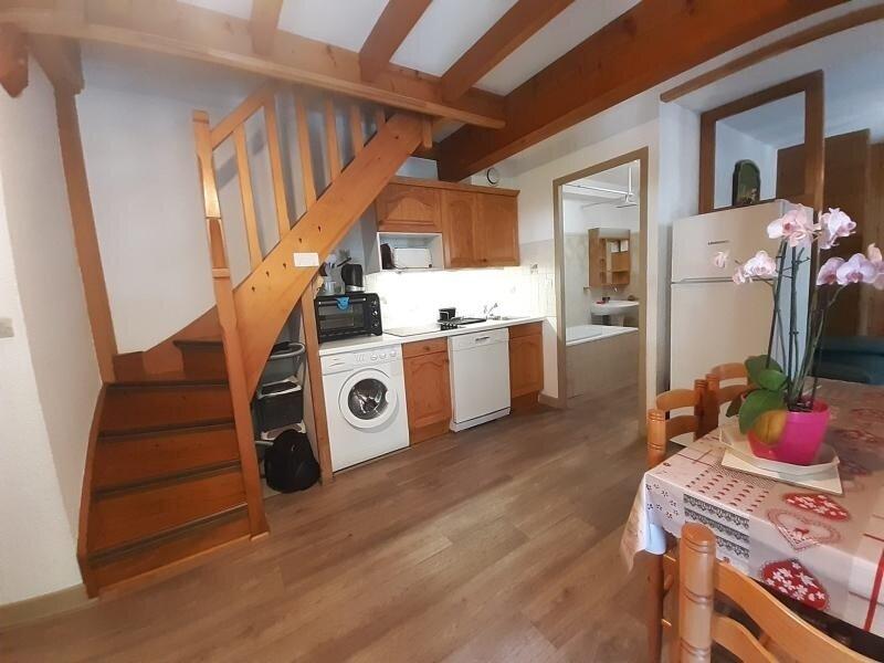 3 pièces 2* en plein centre avec balcon sud est sans vis-à-vis, holiday rental in Brides-les-Bains