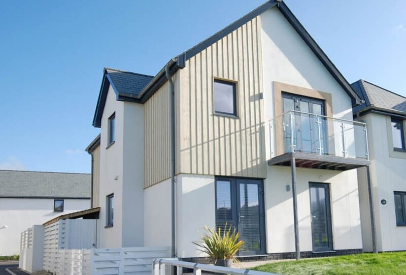 Andas Beach House - Footsteps to the beach, vacation rental in Westward Ho