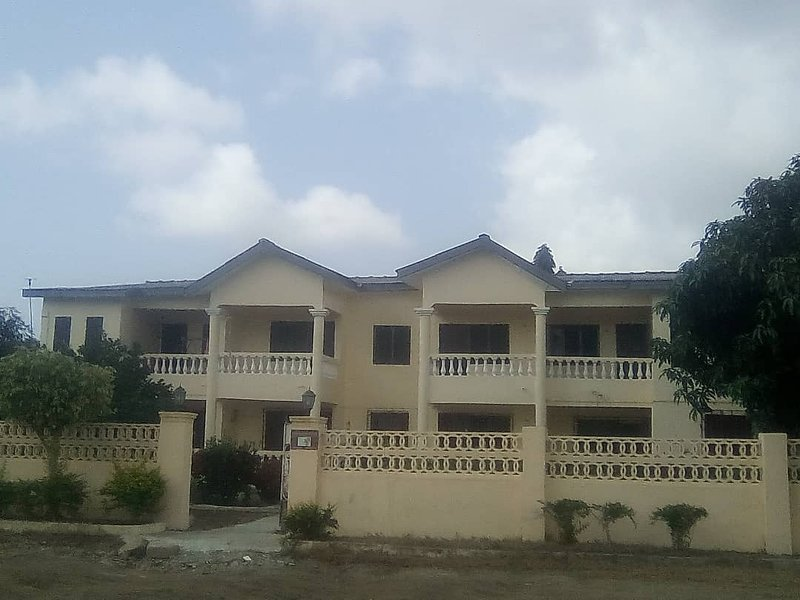 Ideal Short-Term & Long-Term Guest House in Winneba. Relax & Enjoy Your Stay., holiday rental in Central Region