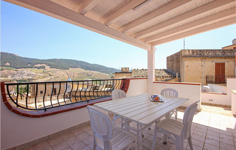 Casa Vacanze la Torre (ISR326), holiday rental in Santa Margherita di Belice