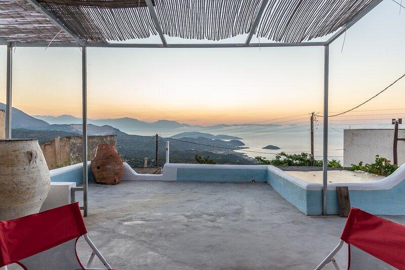 Splendid Sea View - Roof Terrace - AC - WIFI, location de vacances à Mokhlos