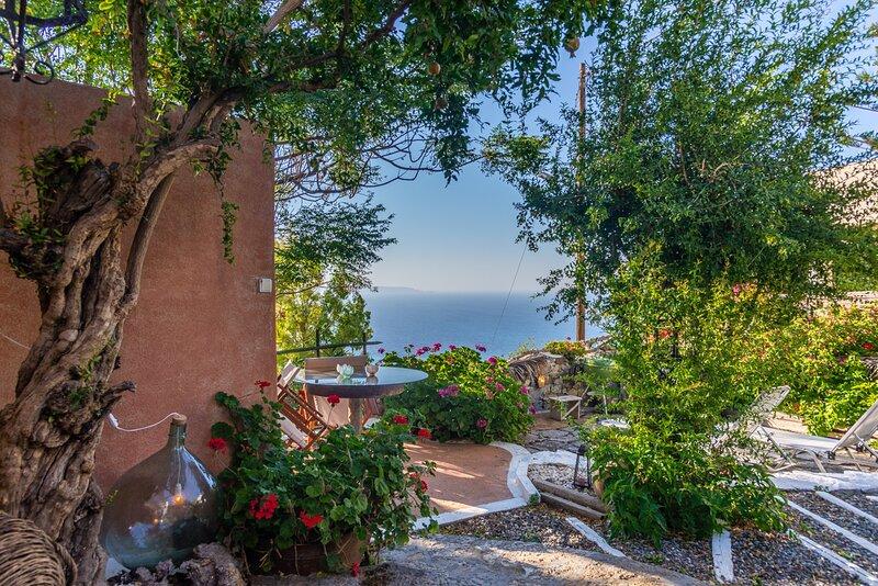 [COSY] The Old Pomegranate House - Sea view - AC - WIFI - SAT TV, location de vacances à Mokhlos