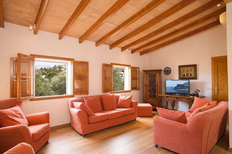 Dos Villas con encanto Port de Sóller. Vistas mar y montaña, holiday rental in Sa Calobra