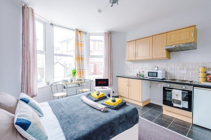 Empire Blackpool Apartments - Dickson Road F1, holiday rental in Blackpool