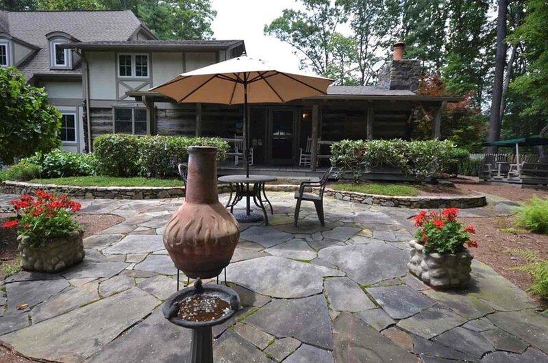 The Cabin at Kinloch Place, aluguéis de temporada em Laurel Park