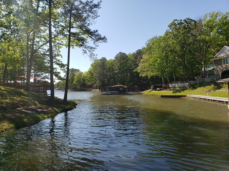 Beautiful Lake Front Cabin, location de vacances à Henrico