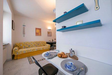 Palace Apartment, vacation rental in Semino