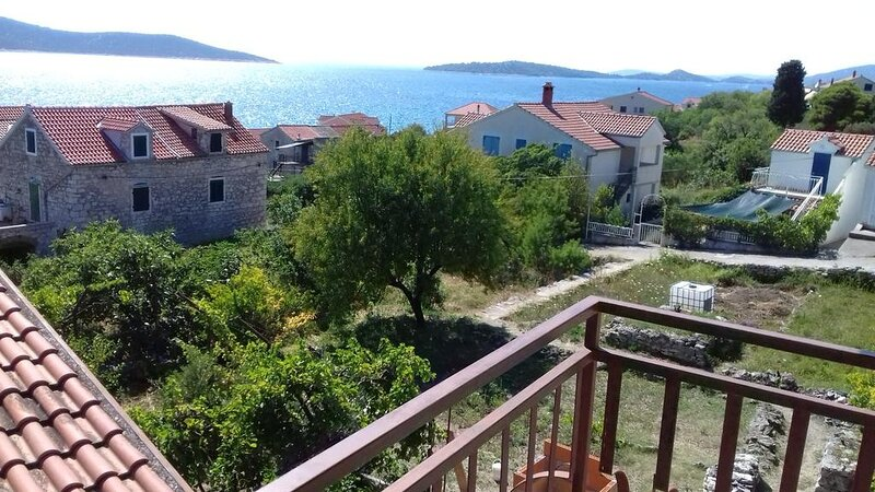Holiday Home Iva - Two Bedroom Apartment with Sea View, vacation rental in Prvic Sepurine