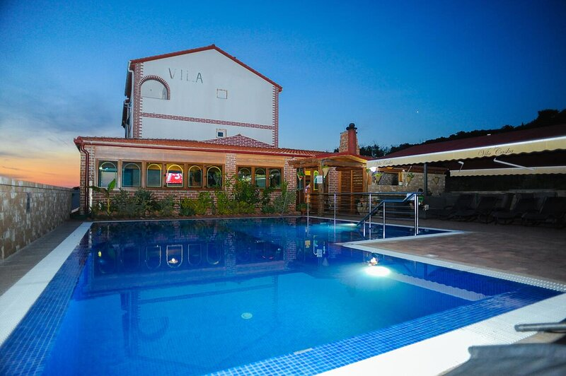 Four bedroom apartment Caska, Pag (A-3085-d), holiday rental in Caska