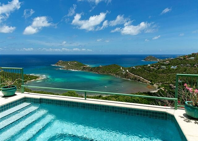 Croix Vista: Stunning Caribbean Sea Views! Pool! Tropical Breezes!, vakantiewoning in Hawksnest Bay