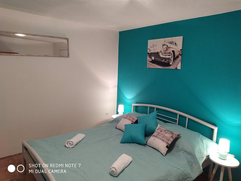 Apartments Pipunic - One Bedroom Apartment with Garden View A3, vacation rental in Prvic Sepurine