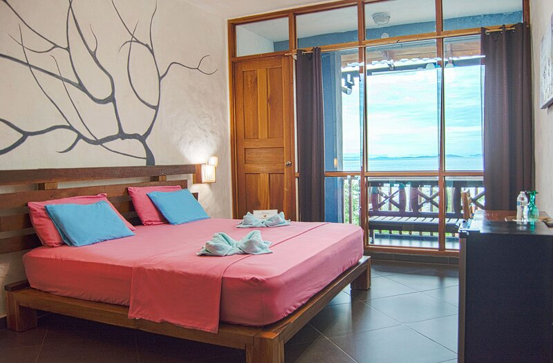 Punta Duarte Garden Inn Double room ORCHIDEA with balcony and sea view, holiday rental in Veraguas Province