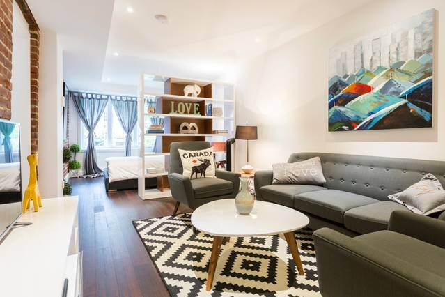 Liv MTL Save 60% Soho 6 Luxurious 1Br Rooftop Family + Pet Friendly*, vacation rental in Montreal