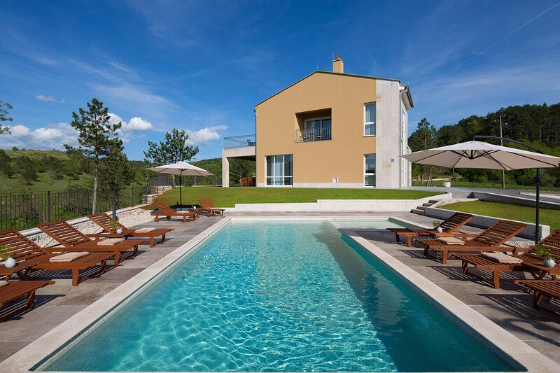 Room Trviž, Central Istria - Središnja Istra (S-18449-a), holiday rental in Beram