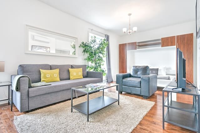 Liv MTL Save 60% MTL 301 Smart Studio Rooftop Family + Pet Friendly*, vacation rental in Montreal