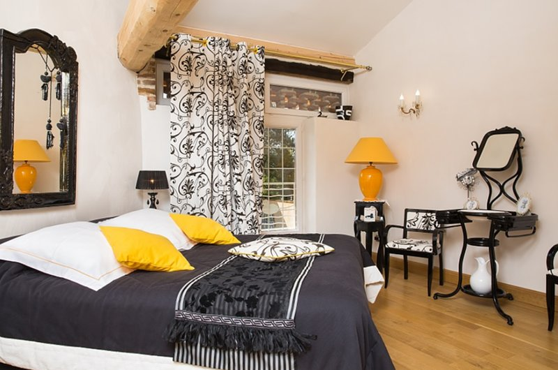 Chambre au calme Bb - au Domaine de La Belliere, location de vacances à Saint-Paul-de-Varax