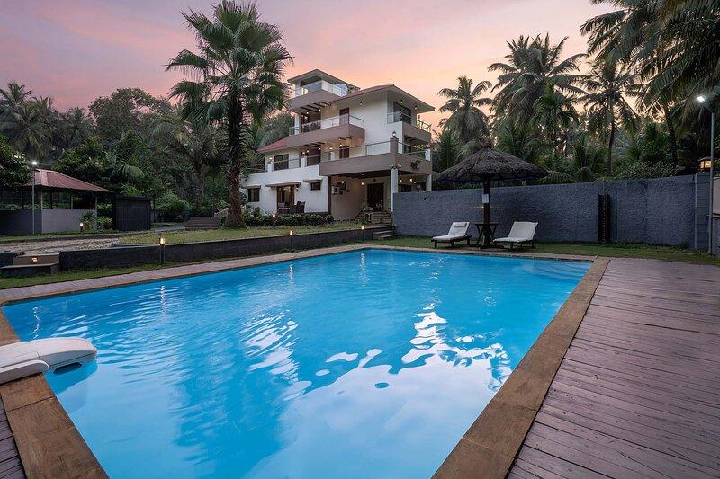 Sparsh Villa by Vista Rooms, vacation rental in Alibaug